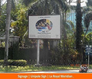 Signage, Unipole Sign. Le Royal Meridian